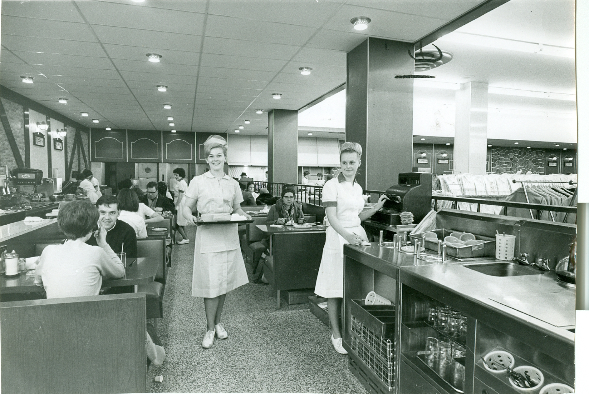 FLASHBACK: Shopping | Stories from the Hamilton Spectator